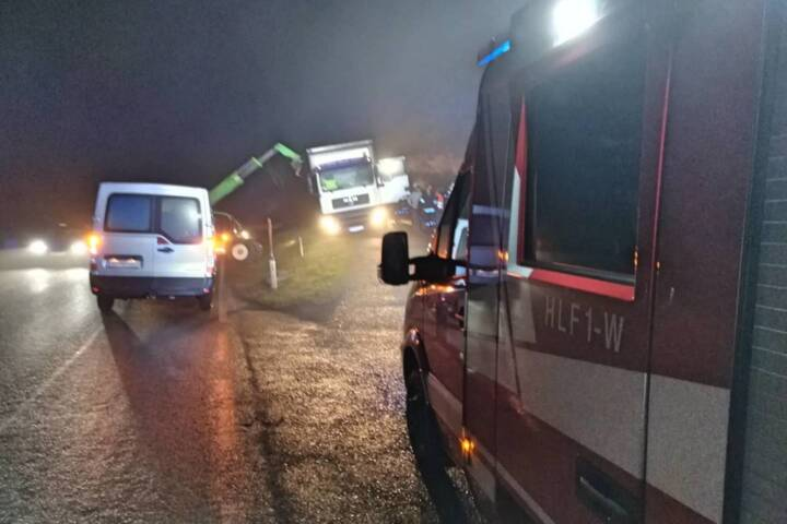 LKW drohte umzustürzen in Pettendorf
