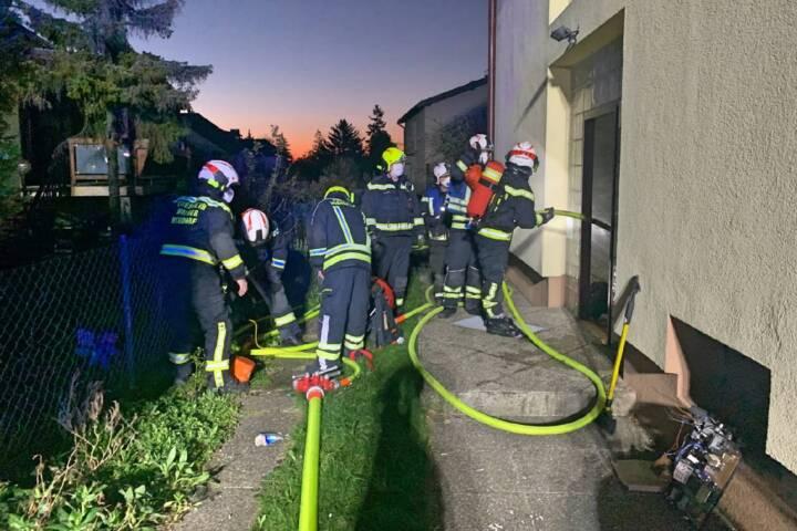Bewohner bei Brand in Einfamilienhaus gerettet