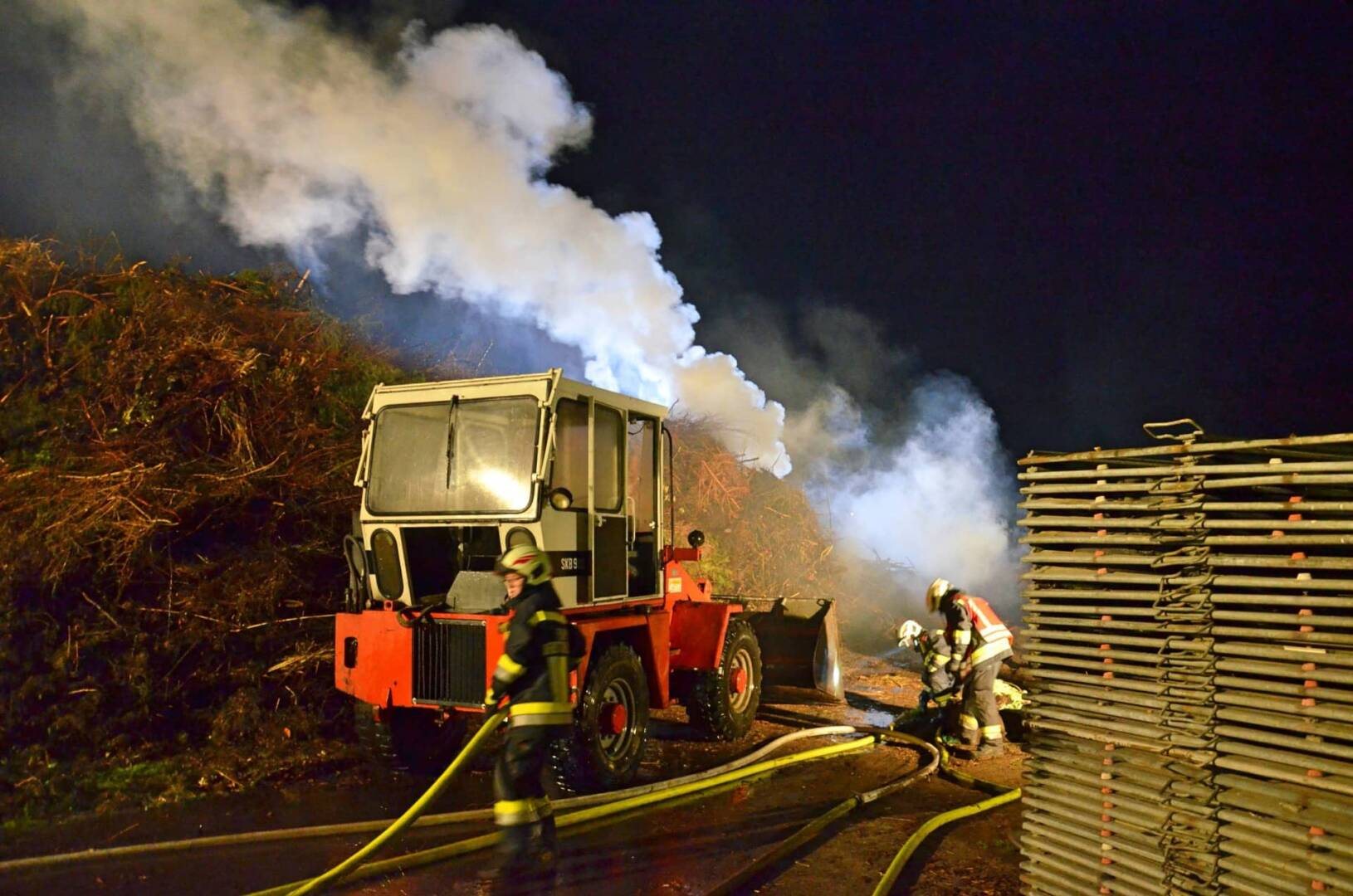 Staudenhaufenbrand bei Gärtnerei