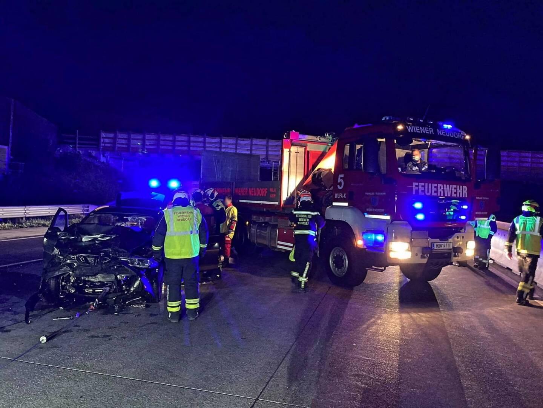 Schwerer Verkehrsunfall fordert zwei Verletzte auf der Südautobahn