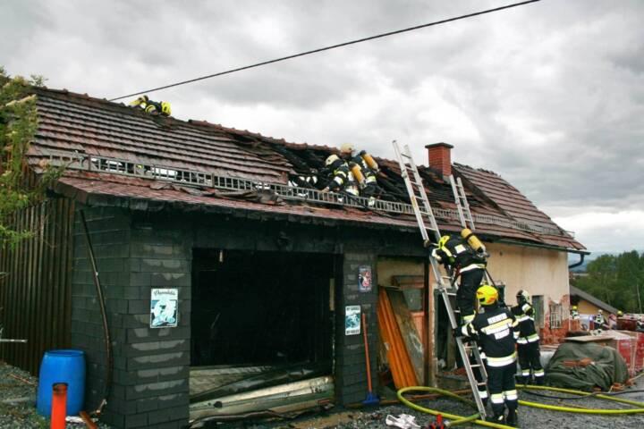 Wirtschaftsgebäudebrand in Berndorf
