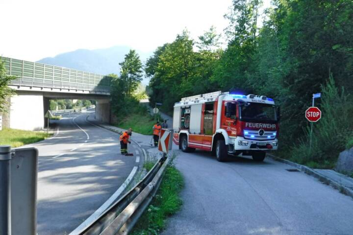 Bus verursacht Dieselspur in Bad Ischl