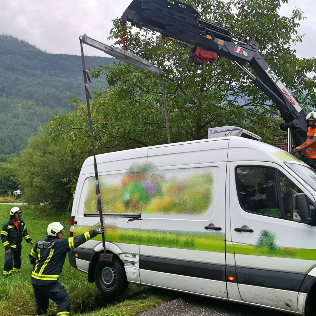 Lieferwagen in Bad Ischl geborgen