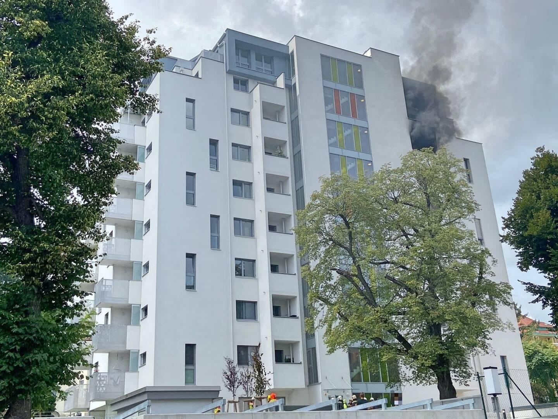 Brand in einem Hochhaus