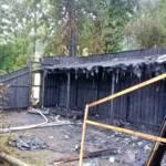 Brand einer Badehütte nach Blitzschlag