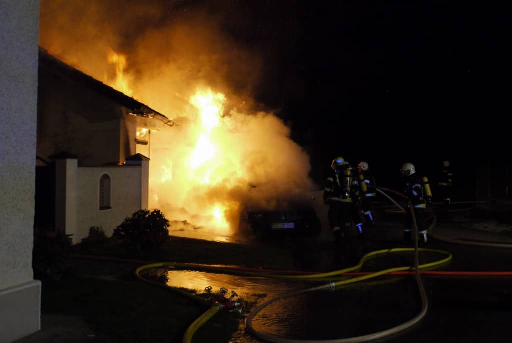 Brand einer Garage in Wolfing