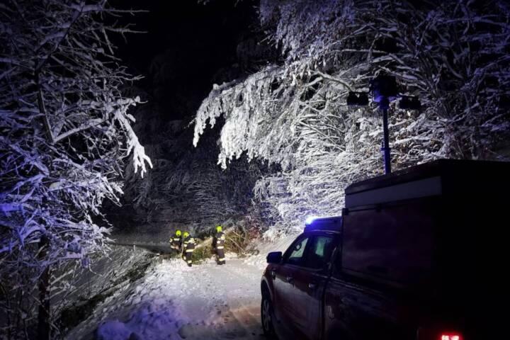 Schnee-Einsätze im Bezirk