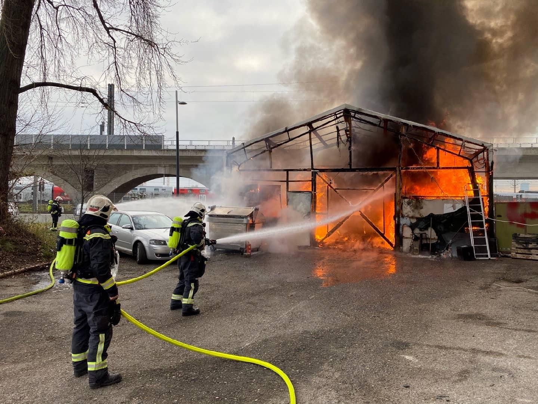 Brand einer Lagerhalle in Wien-Floridsdorf
