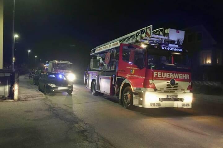 Vermutlicher Wohnungsbrand durch Lavalampe