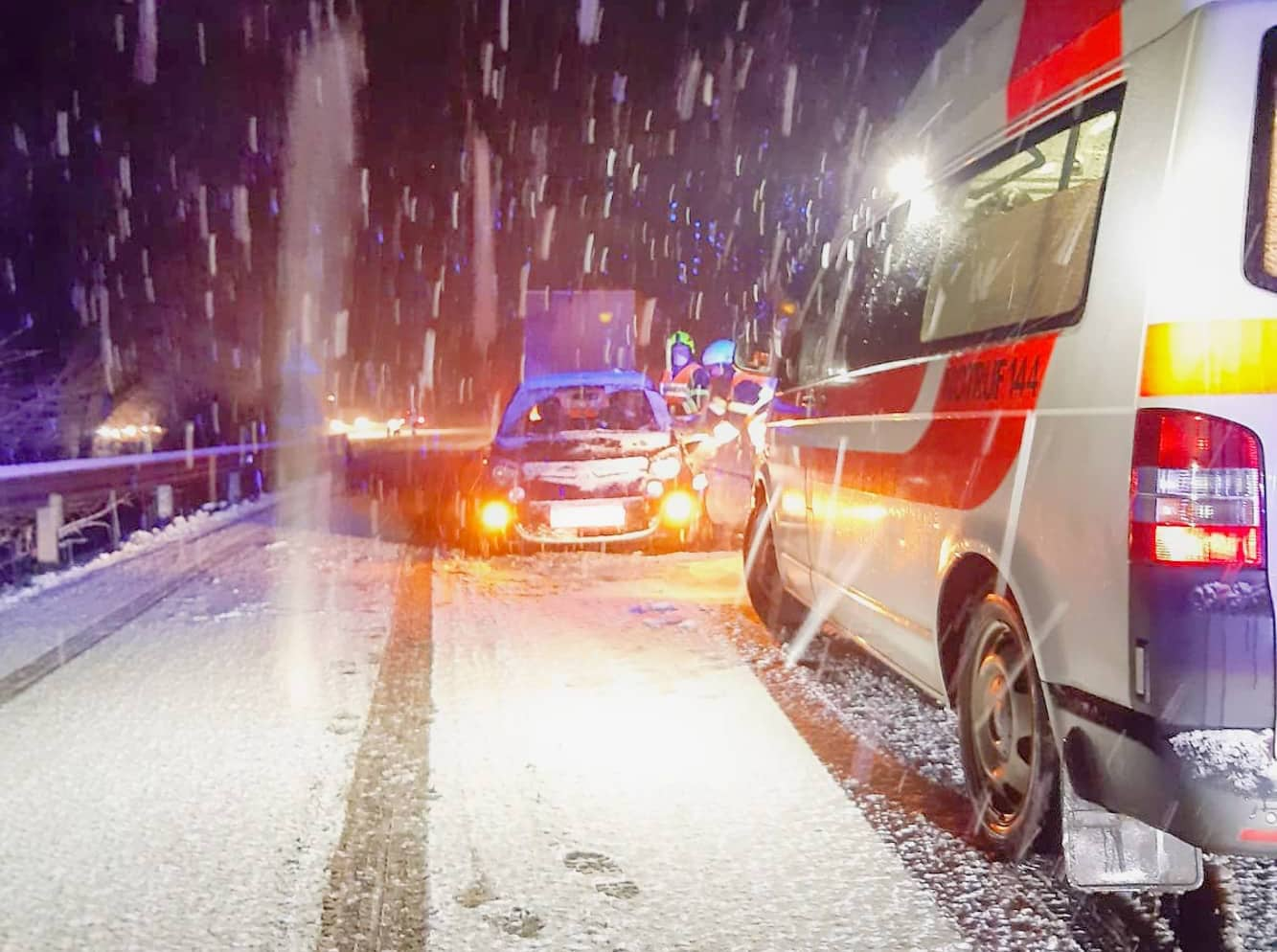 Verkehrsunfall - LKW touchierte PKW