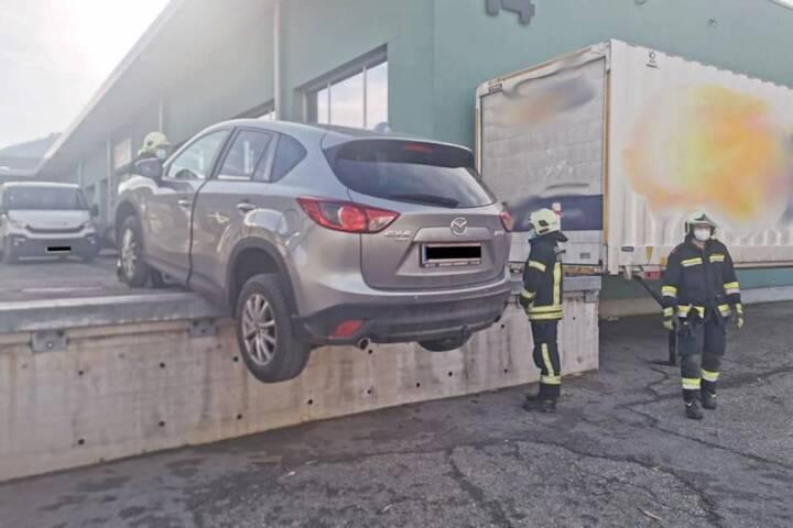 Fahrzeugbergung im Industriegebiet