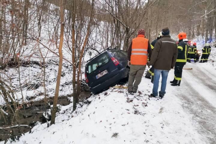 Fahrzeugbergung im Lugergraben