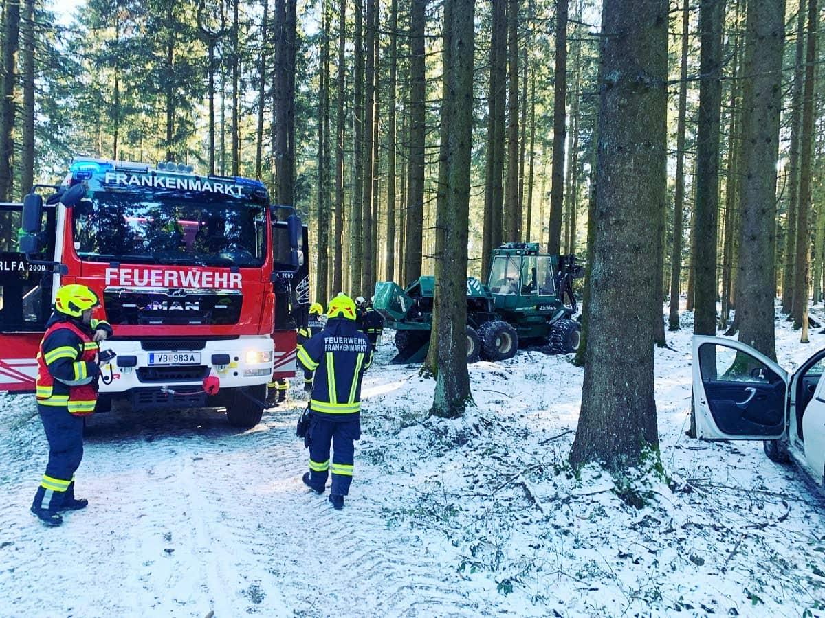 Kfz-Brände beschäftigen Feuerwehren