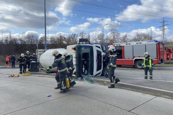 Lkw-Unfall in Wien-Simmering