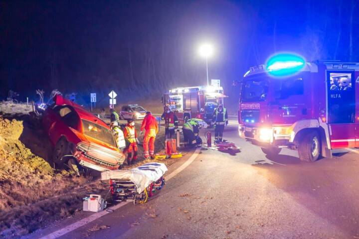 Menschenrettung nach schwerem Verkehrsunfall