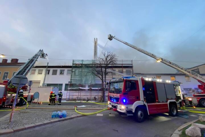 Großeinsatz der Berufsfeuerwehr Wien