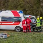 LKW-Unfall mit eingeklemmter Person