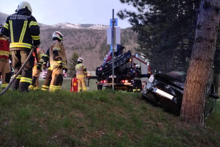 Drei verletzte Personen nach Verkehrsunfall