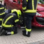 Ein Verletzter nach PKW-Zusammenstoß