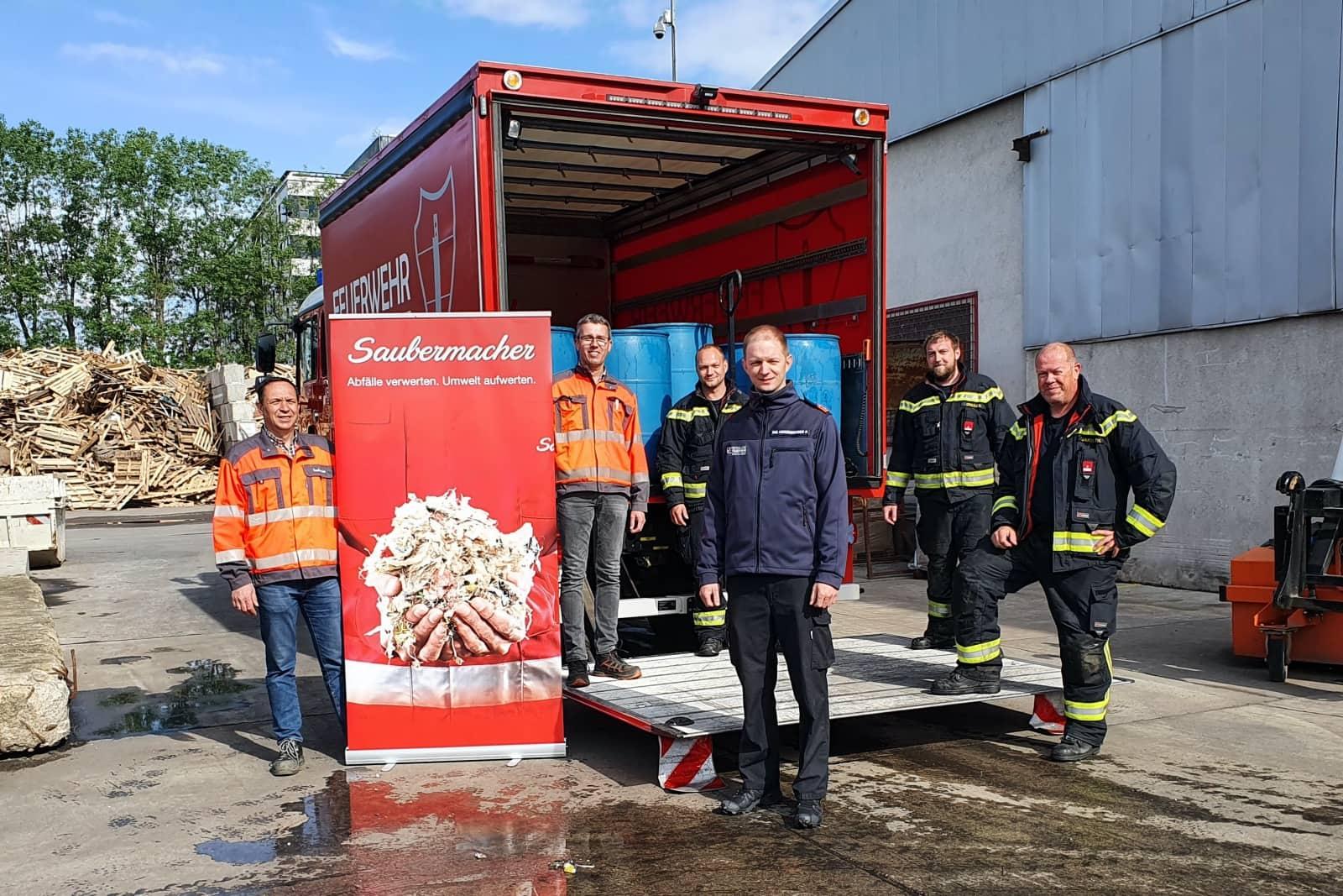 7.000 Liter Schaummittel für den Bezirk