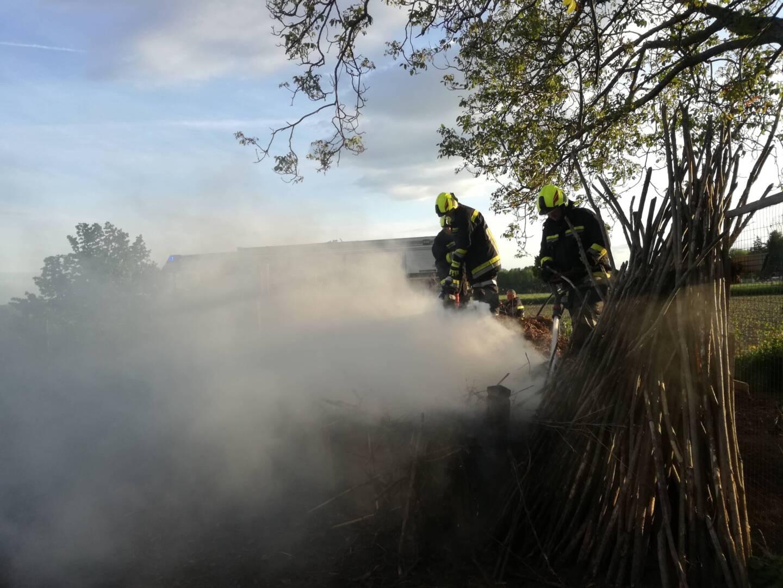 Feuerwehrjugend alarmiert Feuerwehr