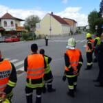 Feuerwehr Verkehrsregler von Polizei ausgebildet