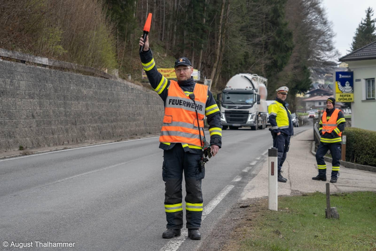 62 Feuerwehr-Verkehrsregler ausgebildet