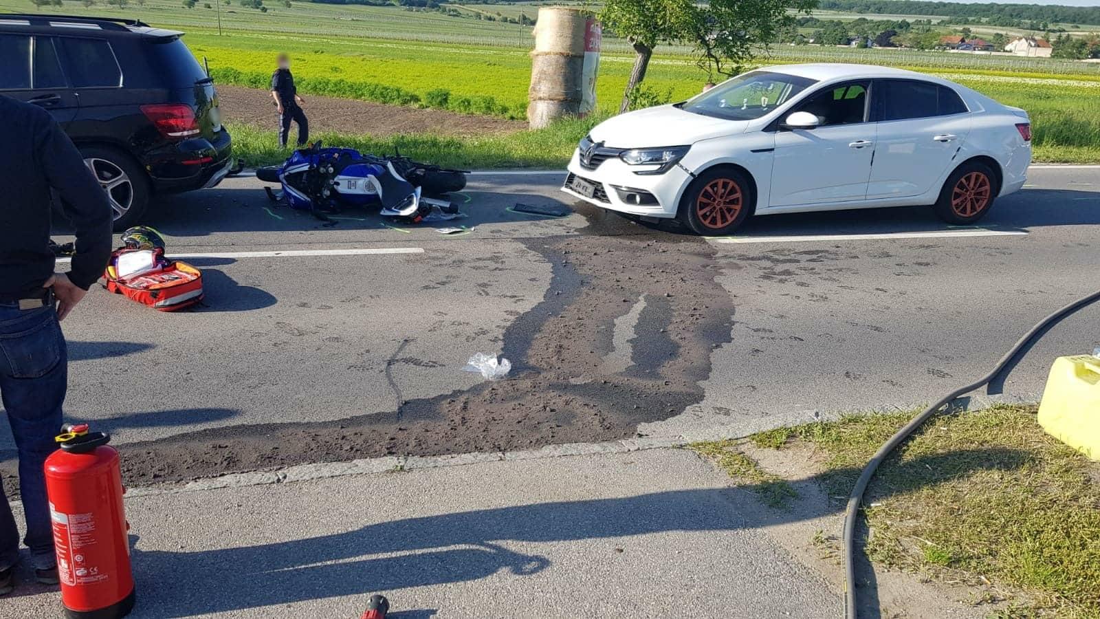 Verletzter Motorradfahrer nach Verkehrsunfall