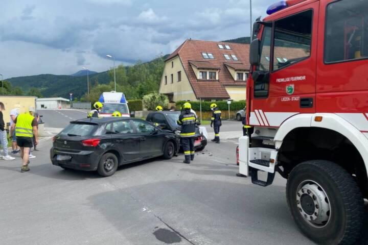 Serie schwerer Verkehrsunfälle Freitag Abend