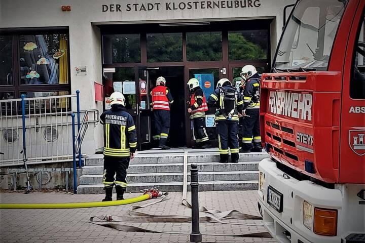 Branddienstübung in der Anton Brucknerschule
