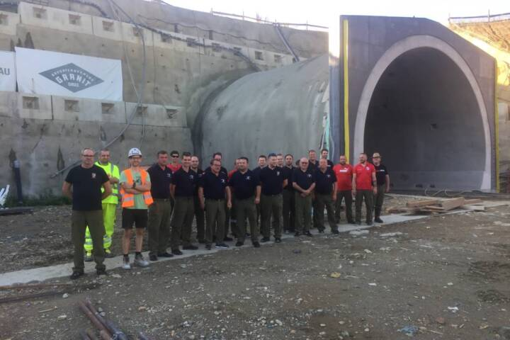 Tunnelbegehung der S7 durch die Feuerwehren