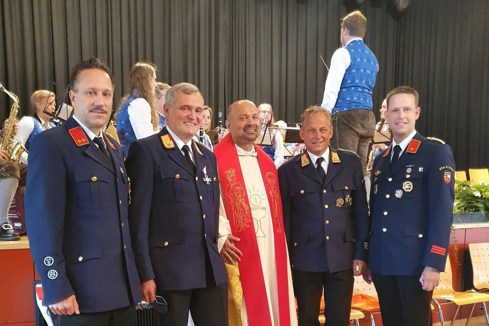 25-jähriges Priesterjubiläum von Bezirksfeuerwehrkurat Dechant Lawrence Pinto