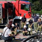 Feuerwehrjugend aus Althofen und Guttaring beübt gemeinsam einen Verkehrsunfall