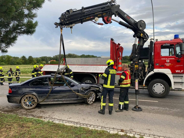 Kraneinsatz nach Verkehrsunfall in Eggendorf