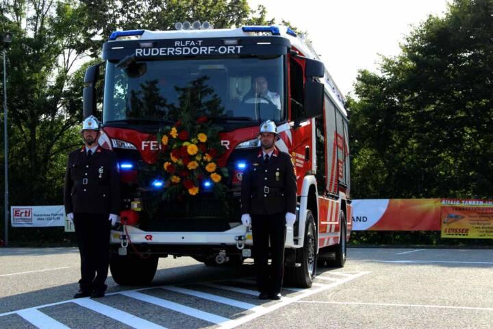 Erstes Feuerwehrfahrzeug für Tunneleinsätze