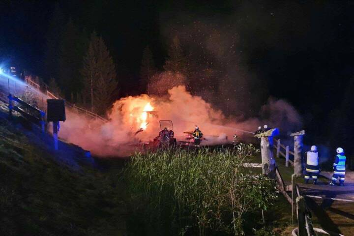Almhüttenbrand hoch über dem Millstätter See