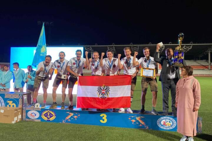 Sportwettkampfgruppe bei der Feuerwehrweltmeisterschaft in Kasachstan
