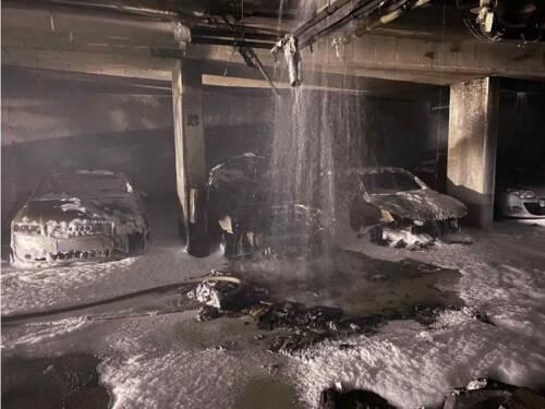 Brand in einer Tiefgarage in Wien XXII
