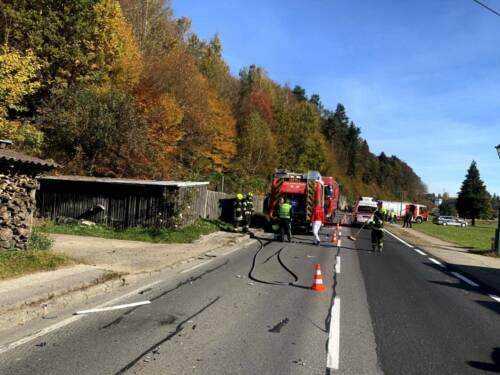 Verkehrsunfall mit zwei LKW und einem PKW